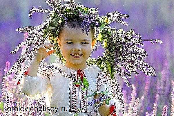 Ребенок в летней одежде